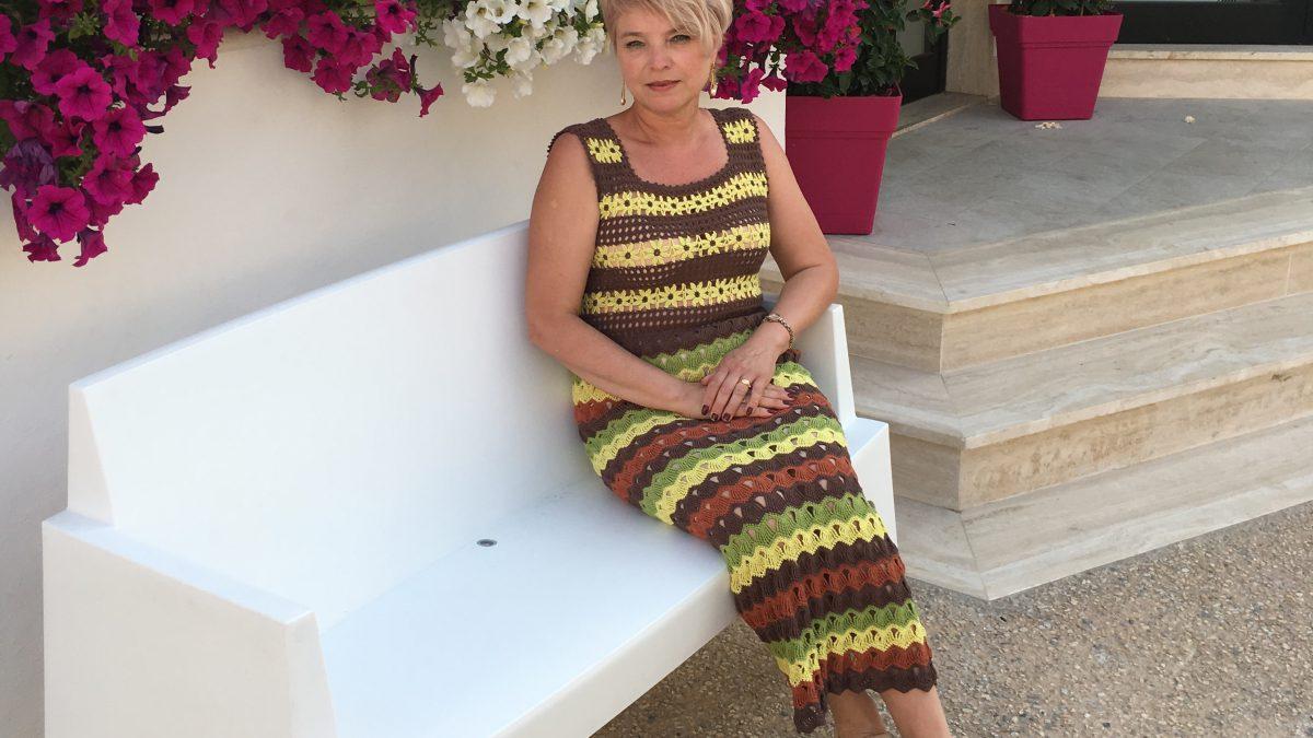 Вязаное платье крючком –       Желтые хризантемы