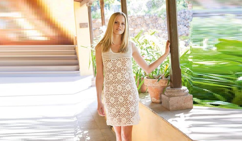 Мини – платье из цветочных мотивов