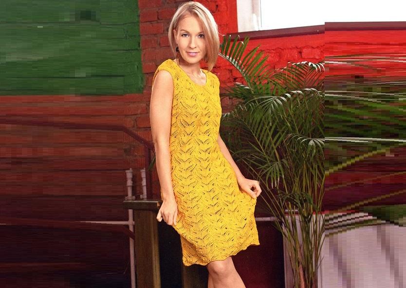 Желтое ажурное платье