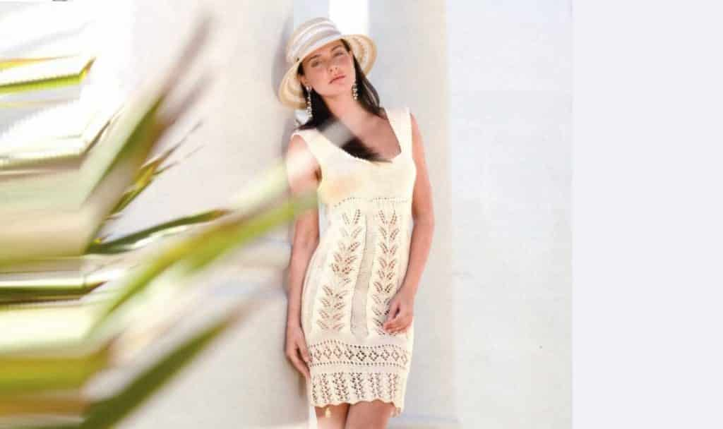 Романтичное вязаное платье