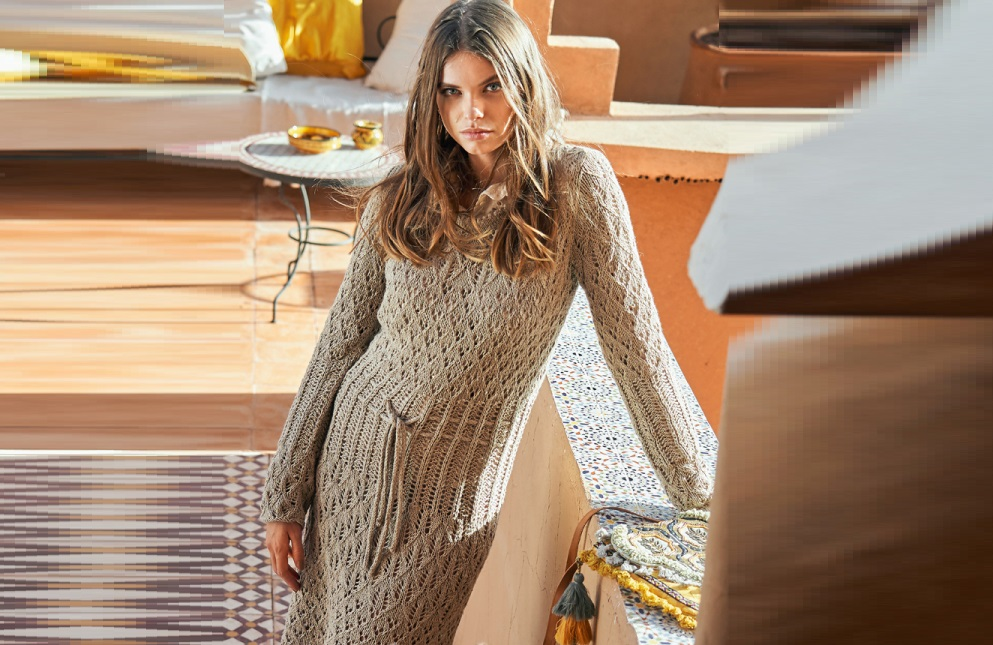 Платье из ажурных узоров спицами