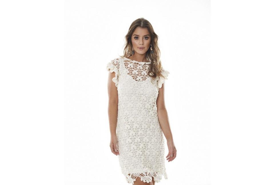 Белоснежное ажурное платье