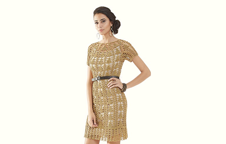 Золотое платье с круглой горловиной узором «Елочка»