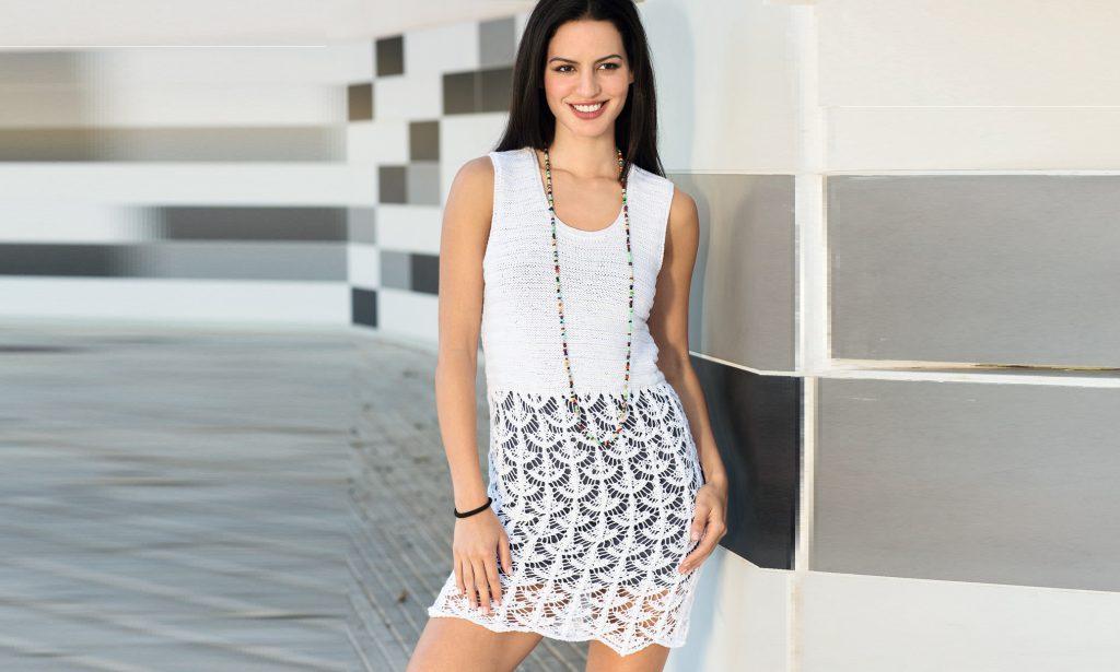 Белое платье с ажурной юбкой
