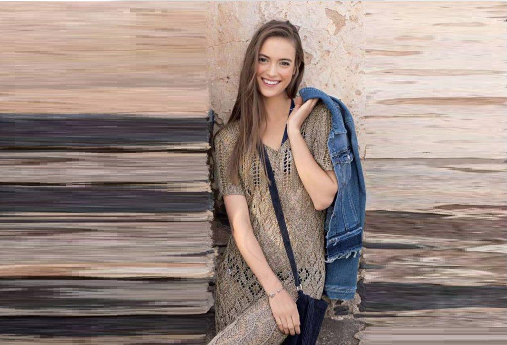 Платье спицами с ажурными узорами