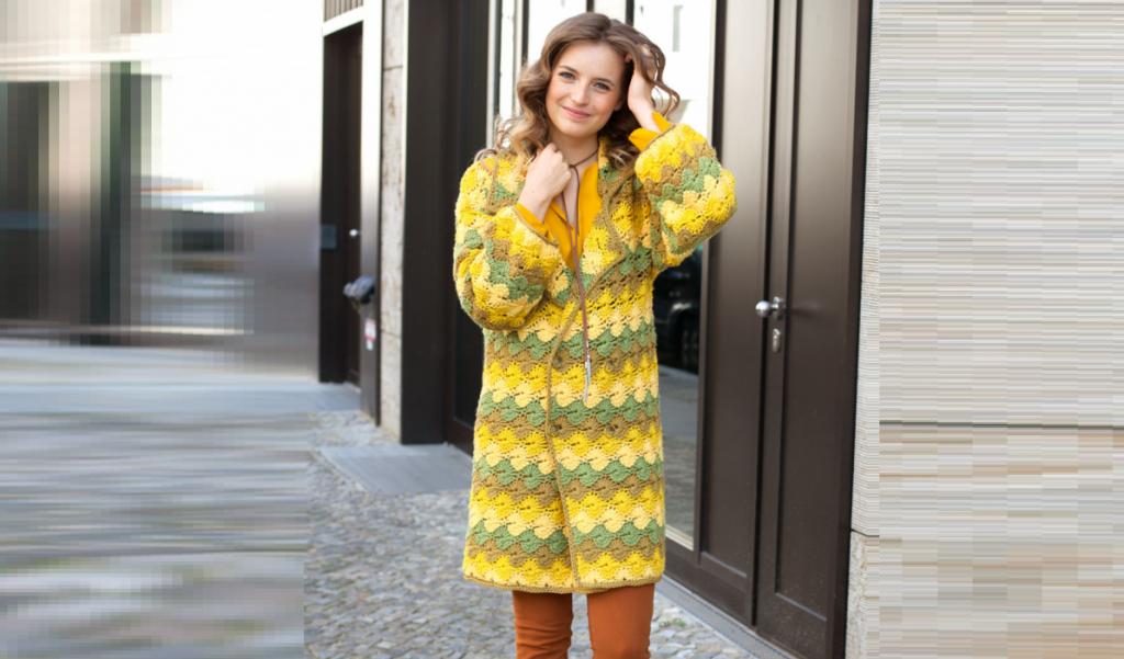 """""""Солнечное"""" пальто в желто – зеленых тонах"""