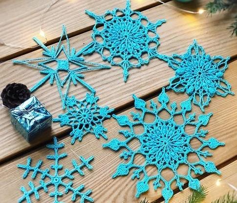 Новогоднее вдохновение: схемы снежинок крючком