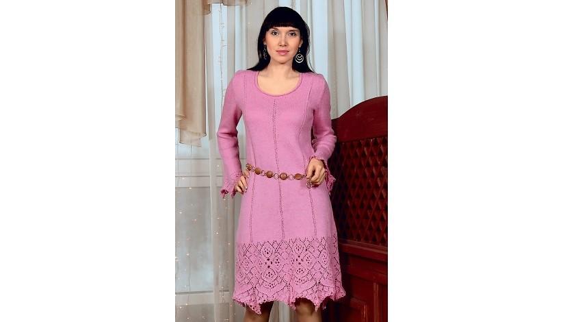 Розовое платье с ажурной каймой