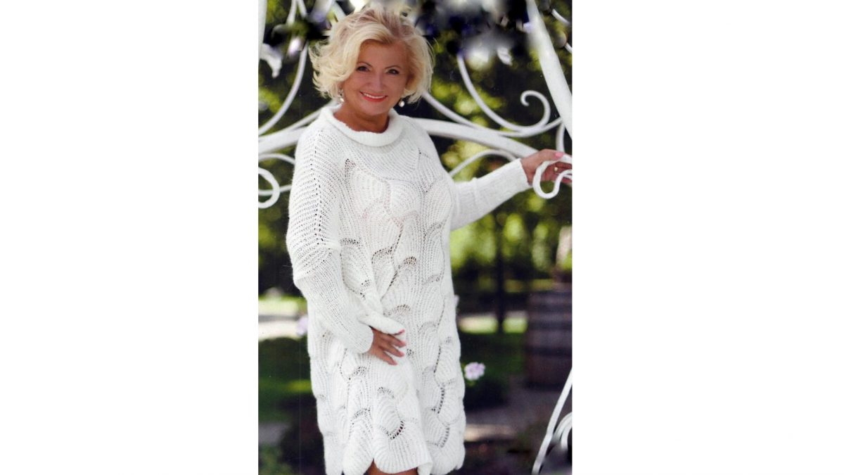 Белое платье к зимнему сезону спицами! Модный оверсайз.