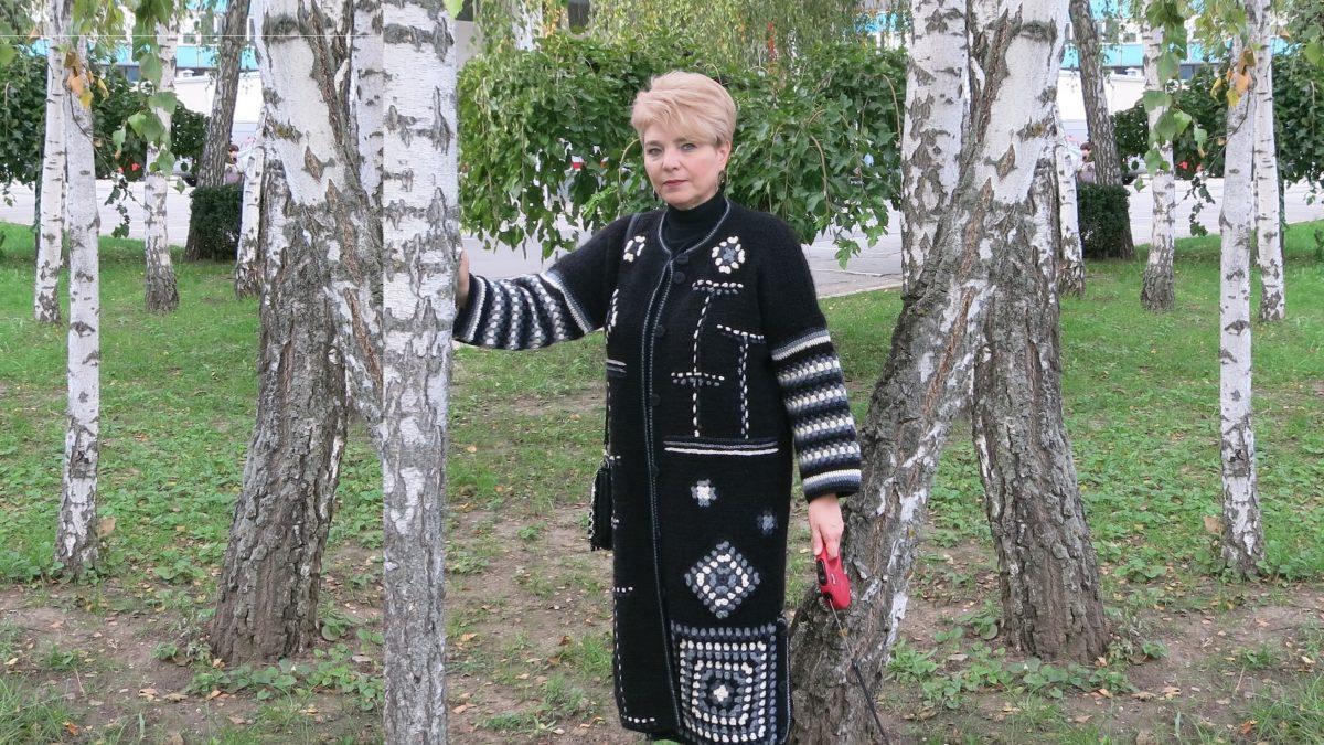 Пальто с использованием «бабушкиного квадрата»