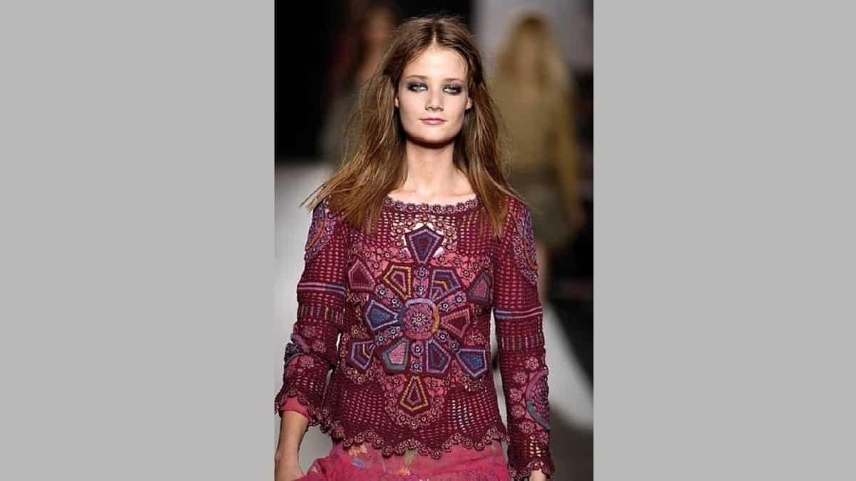 Пуловер в стиле этно